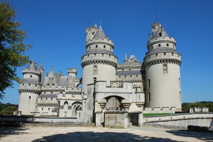 Замок Пьерфон ( фр. Chateau de Pierrefonds ) 99498