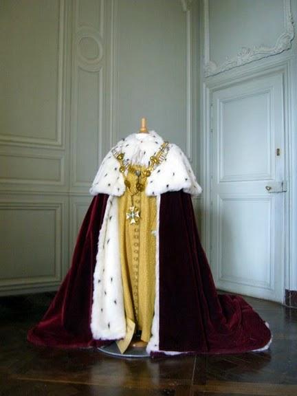 Замок Ла Рош-Гюйон (La Roche-Guyon) 24990