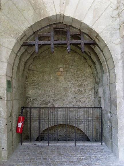 Замок Ла Рош-Гюйон (La Roche-Guyon) 56867