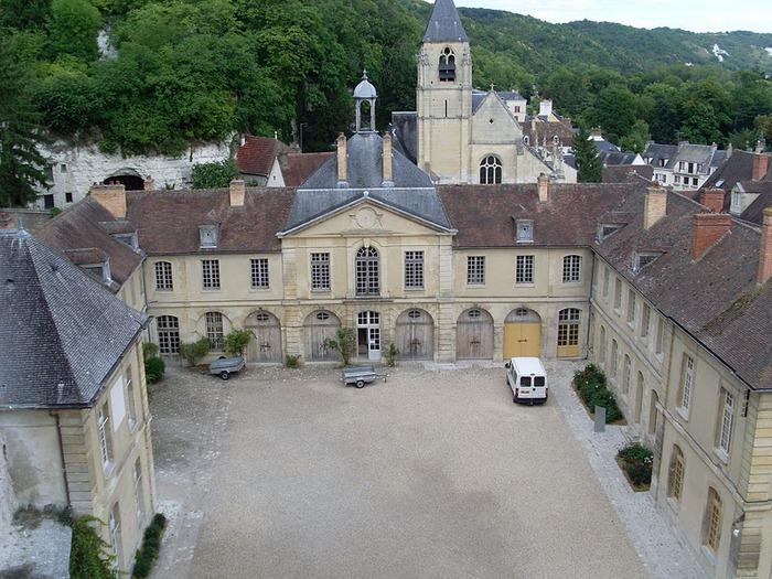 Замок Ла Рош-Гюйон (La Roche-Guyon) 77166