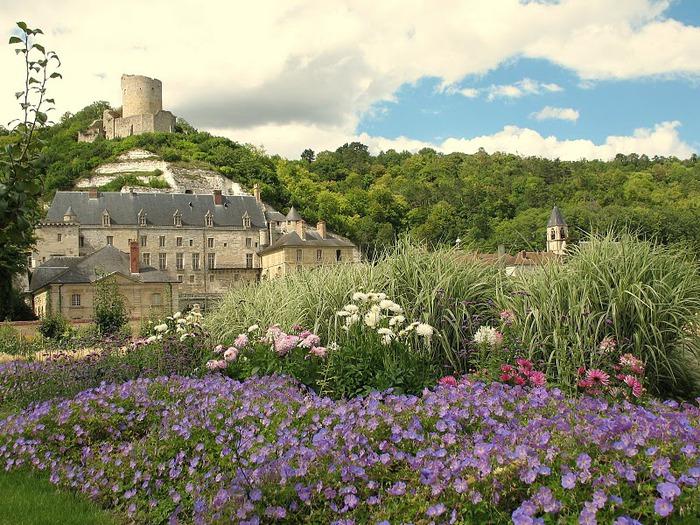 Замок Ла Рош-Гюйон (La Roche-Guyon) 18580