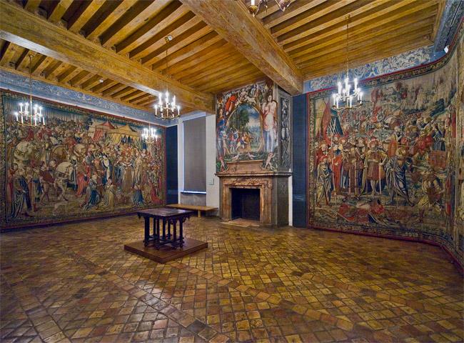 Замок Экуан он же музей Ренессанса 49899
