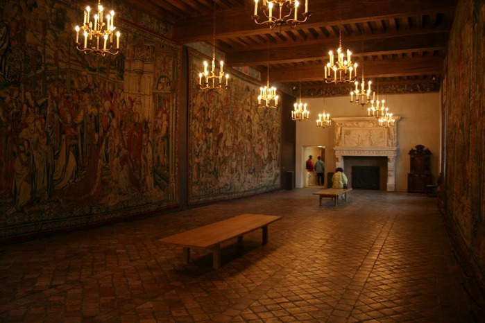 Замок Экуан он же музей Ренессанса 92112
