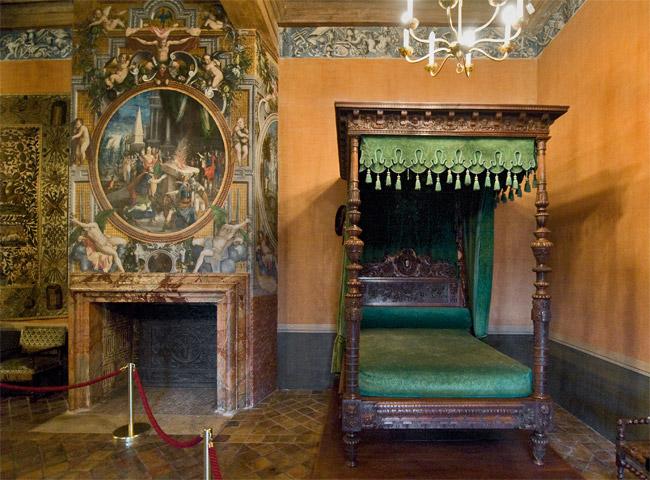 Замок Экуан он же музей Ренессанса 14990