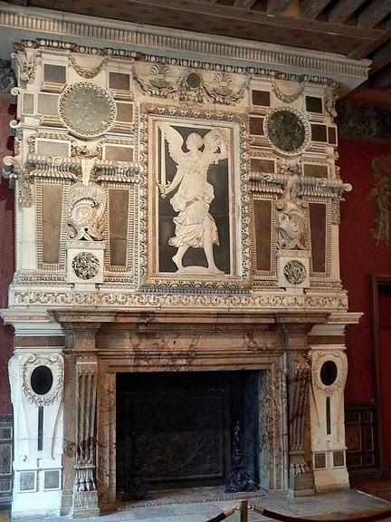 Замок Экуан он же музей Ренессанса 81973