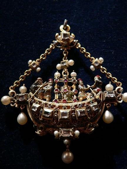 Замок Экуан он же музей Ренессанса 69033