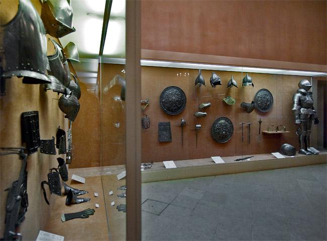 Замок Экуан он же музей Ренессанса 80012