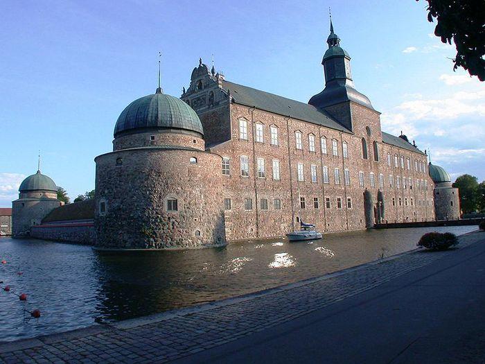 Замок Вадстена (Vadstena) и монастырь Святой Биргитты 18995