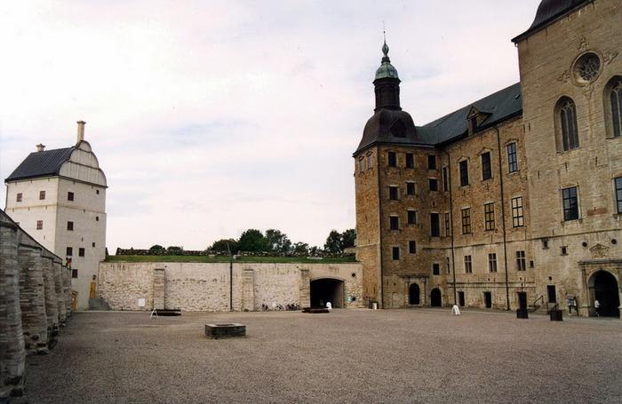 Замок Вадстена (Vadstena) и монастырь Святой Биргитты 64690