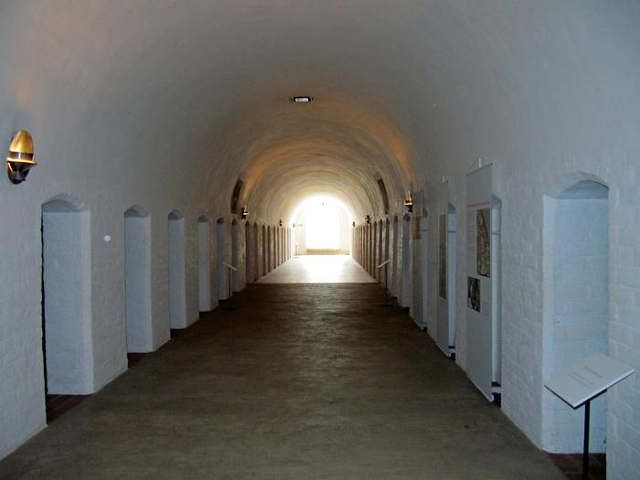 Замок Вадстена (Vadstena) и монастырь Святой Биргитты 41830