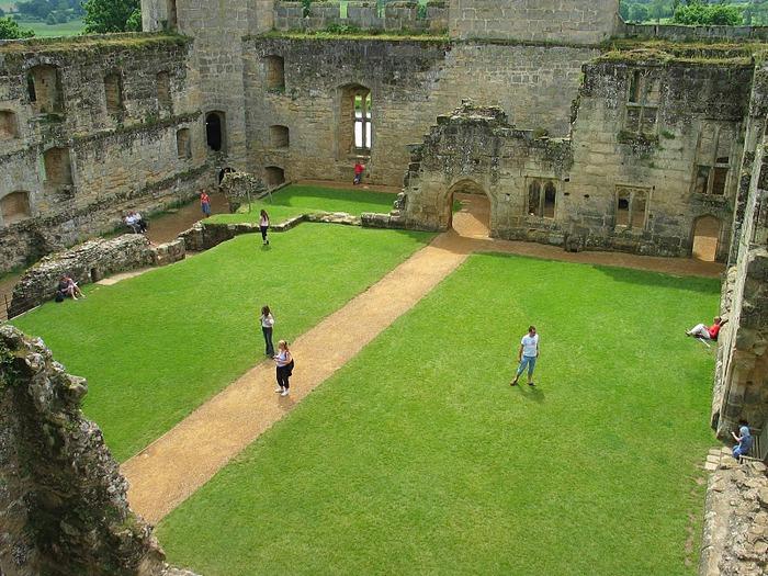 Замок Бодиам (Bodiam) - Графство Сассекс 93762