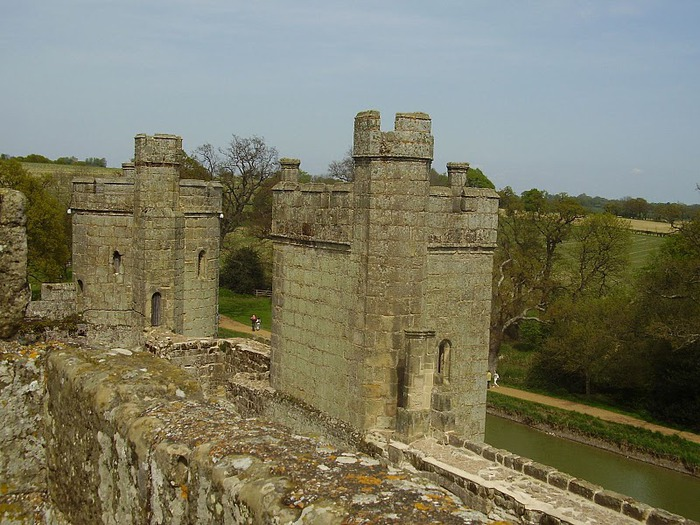 Замок Бодиам (Bodiam) - Графство Сассекс 21083