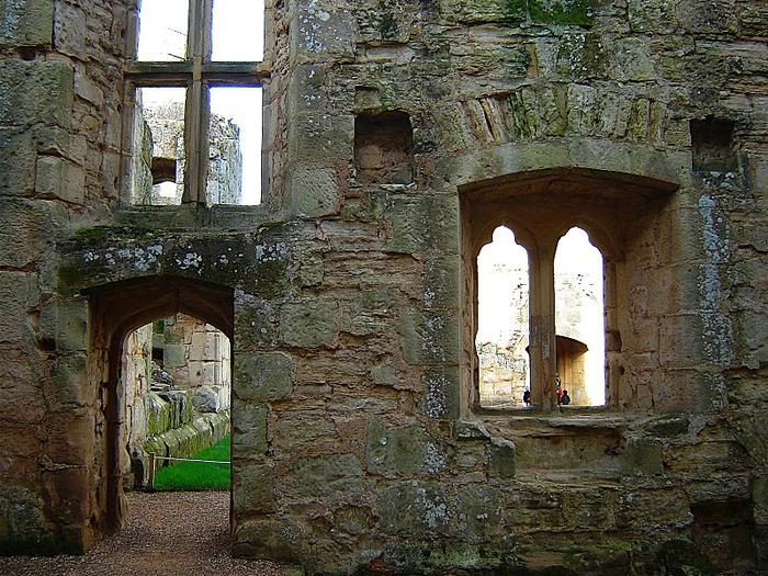Замок Бодиам (Bodiam) - Графство Сассекс 80289