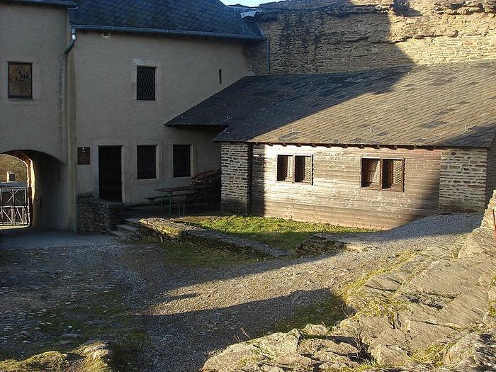 Le chateau de Bourscheid - ЗАМОК Буршейд 42724