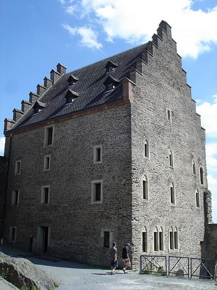 Le chateau de Bourscheid - ЗАМОК Буршейд 22528