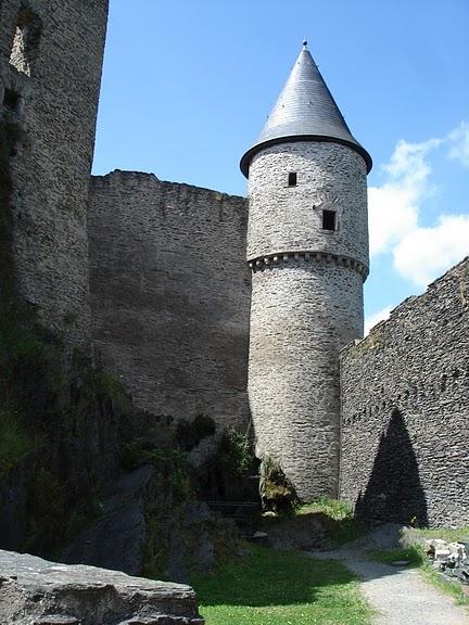 Le chateau de Bourscheid - ЗАМОК Буршейд 79536