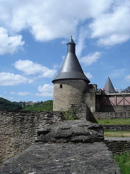 Le chateau de Bourscheid - ЗАМОК Буршейд 92845