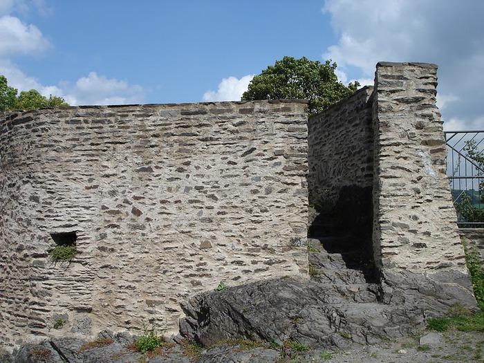 Le chateau de Bourscheid - ЗАМОК Буршейд 83173