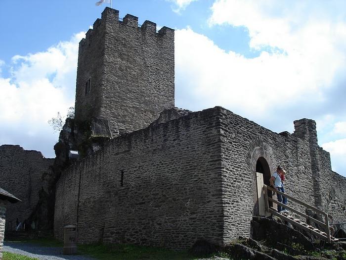 Le chateau de Bourscheid - ЗАМОК Буршейд 66862