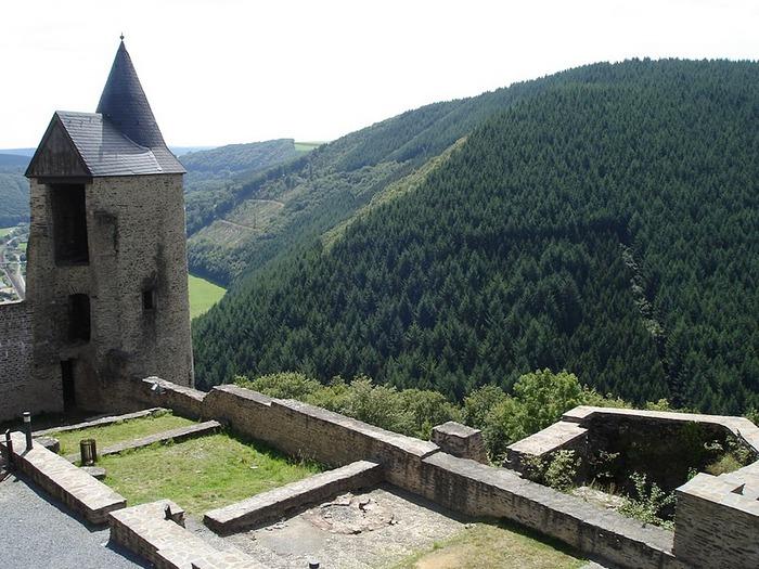 Le chateau de Bourscheid - ЗАМОК Буршейд 86086