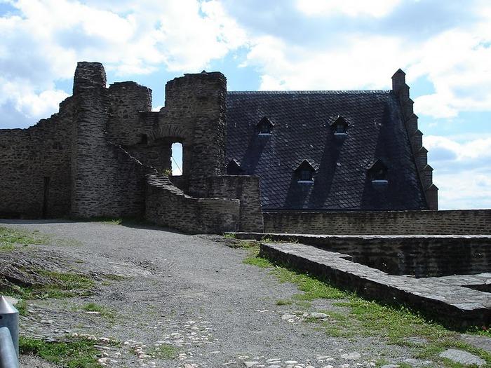 Le chateau de Bourscheid - ЗАМОК Буршейд 42592