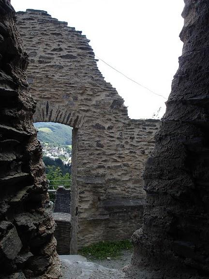 Le chateau de Bourscheid - ЗАМОК Буршейд 54924