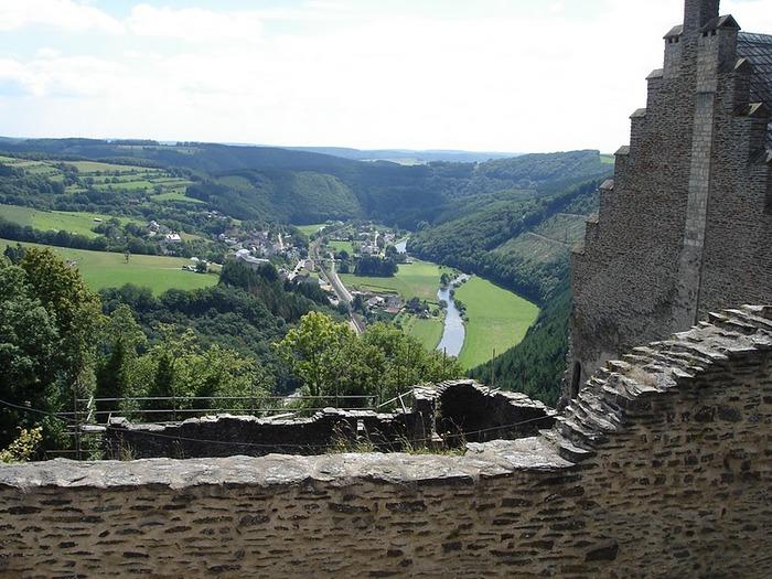 Le chateau de Bourscheid - ЗАМОК Буршейд 43906