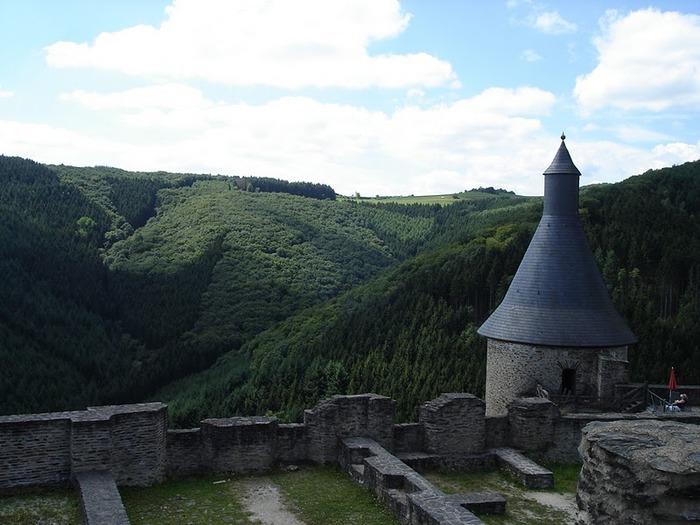 Le chateau de Bourscheid - ЗАМОК Буршейд 87847