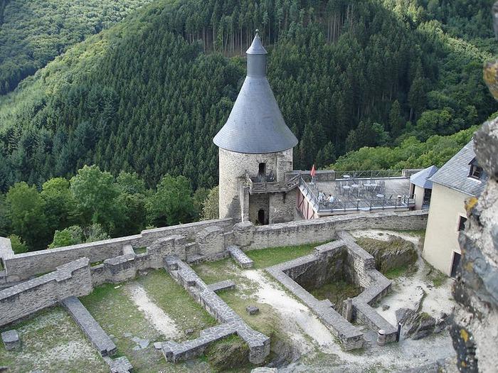 Le chateau de Bourscheid - ЗАМОК Буршейд 82039