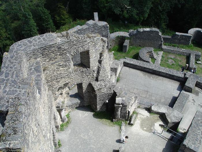 Le chateau de Bourscheid - ЗАМОК Буршейд 42352