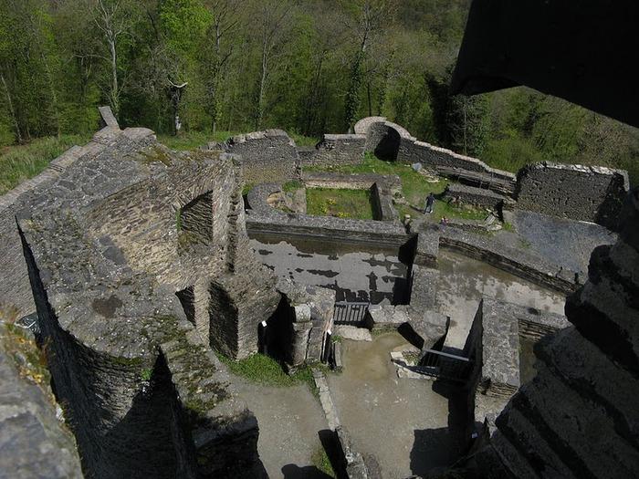 Le chateau de Bourscheid - ЗАМОК Буршейд 91772