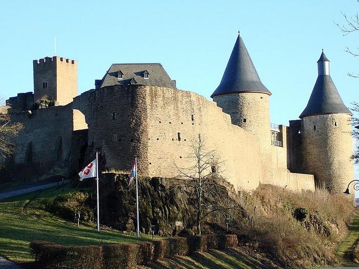 Le chateau de Bourscheid - ЗАМОК Буршейд 88204