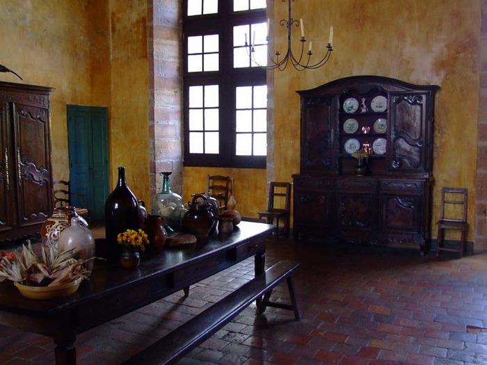 Замок де Корматэн -Chateau de Cormatin 23500