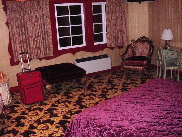 Отель Madonna Inn - Фантазии без границ 54840