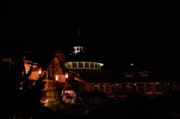 Отель Madonna Inn - Фантазии без границ 85321