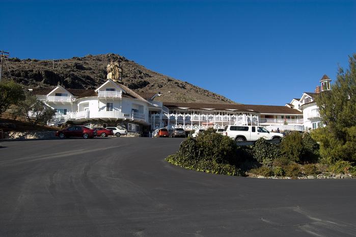 Отель Madonna Inn - Фантазии без границ 56218