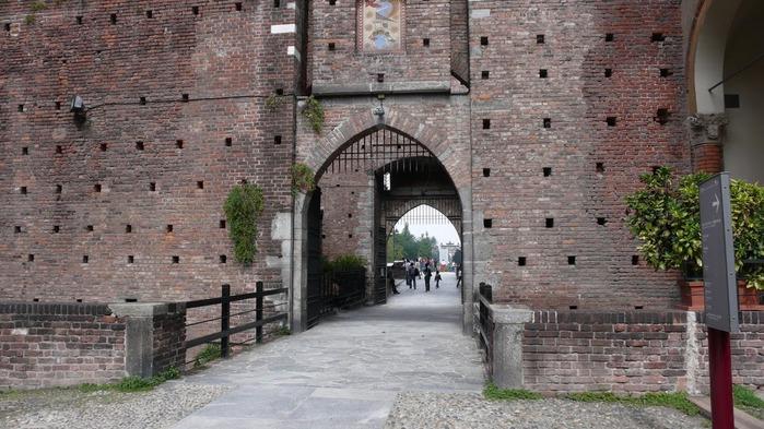 Замок Сфорца (Castello Sforzesco) 37090