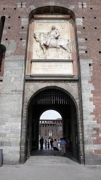 Замок Сфорца (Castello Sforzesco) 10204