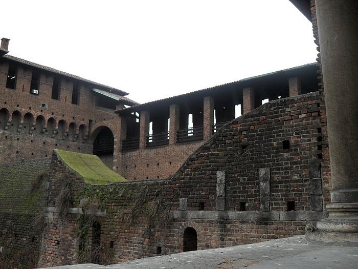 Замок Сфорца (Castello Sforzesco) 53361