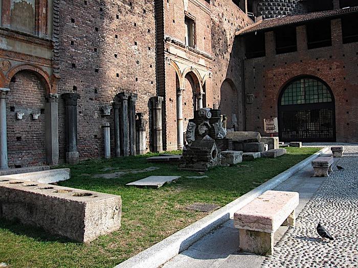 Замок Сфорца (Castello Sforzesco) 66282