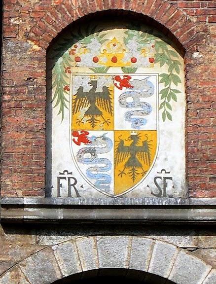 Замок Сфорца (Castello Sforzesco) 38678