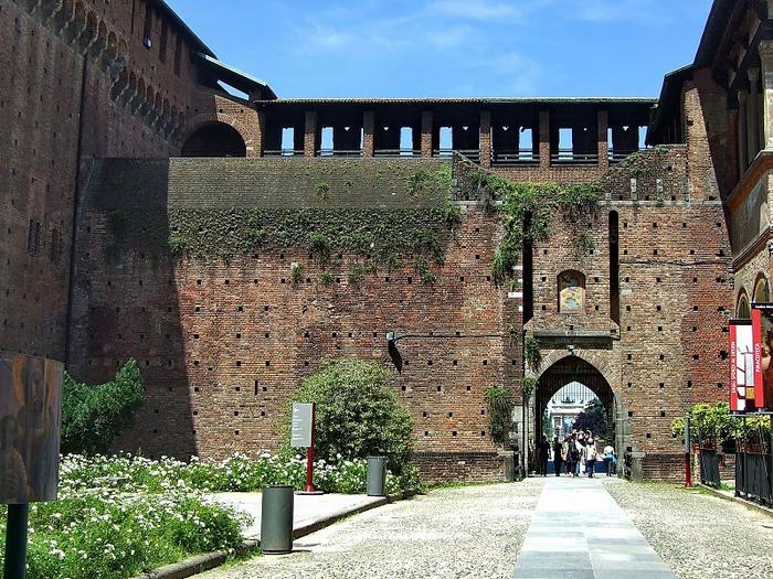 Замок Сфорца (Castello Sforzesco) 27633