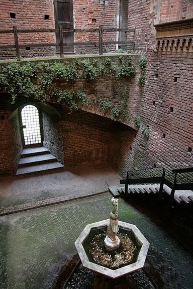 Замок Сфорца (Castello Sforzesco) 67222