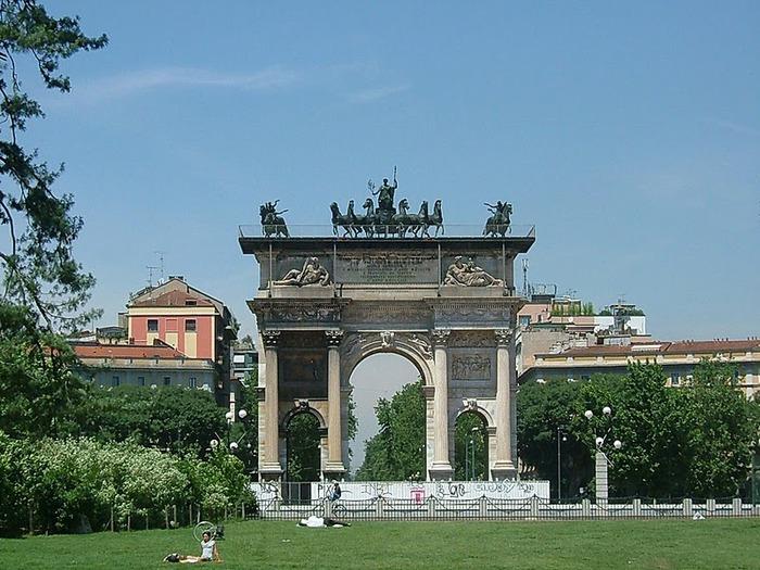 Замок Сфорца (Castello Sforzesco) 40329