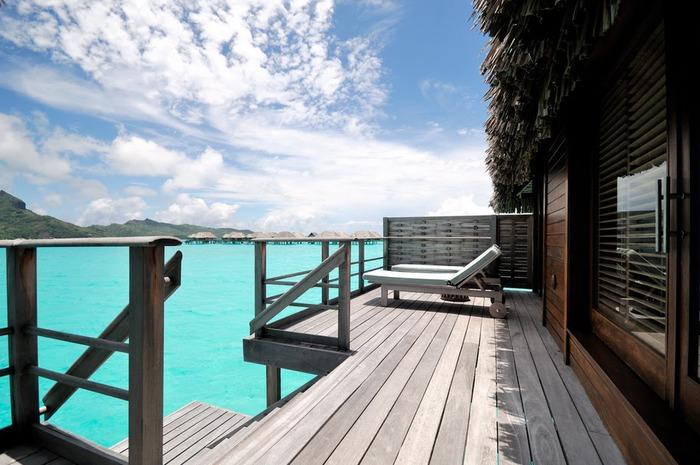 Остров Бора-Бора - жемчужина Тихого океана с перламутровой лагуной 58388