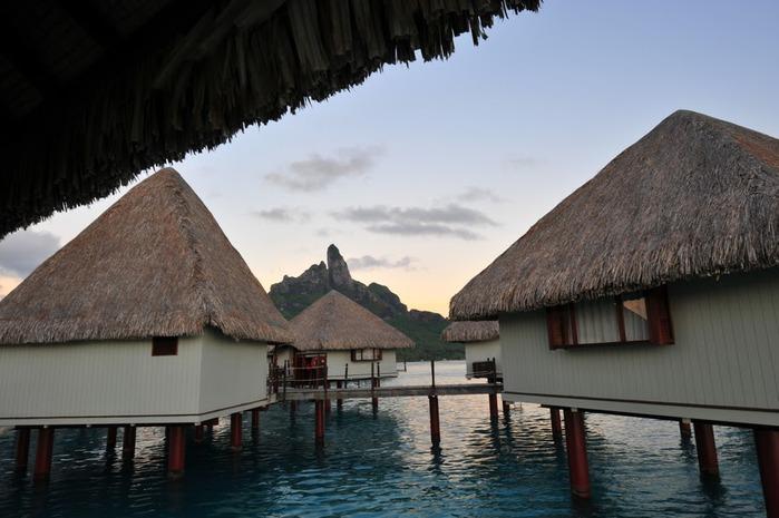 Остров Бора-Бора - жемчужина Тихого океана с перламутровой лагуной 28688