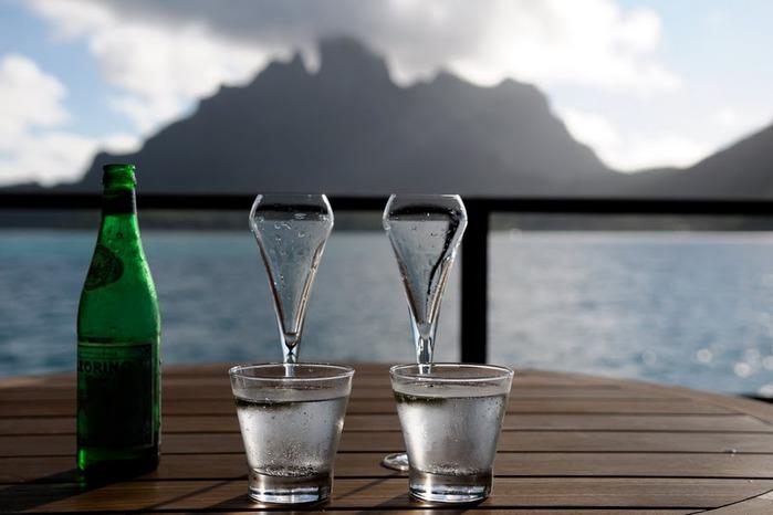Остров Бора-Бора - жемчужина Тихого океана с перламутровой лагуной 51995