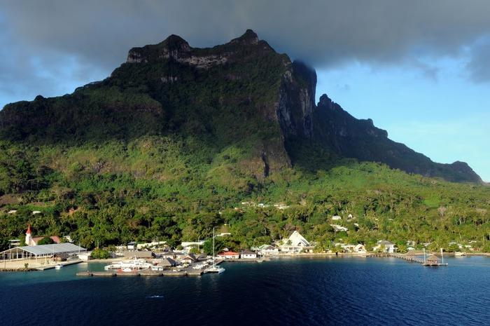 Остров Бора-Бора - жемчужина Тихого океана с перламутровой лагуной 23871