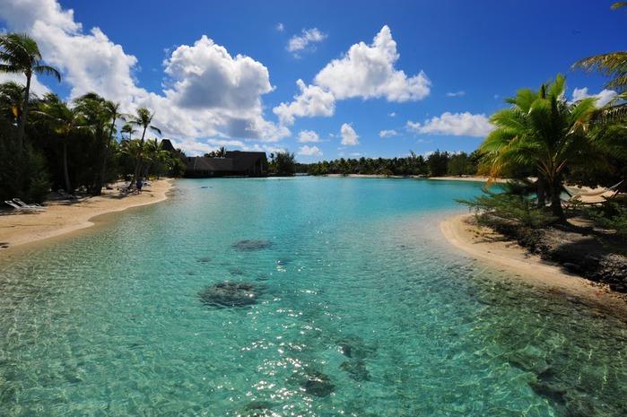 Остров Бора-Бора - жемчужина Тихого океана с перламутровой лагуной 89786