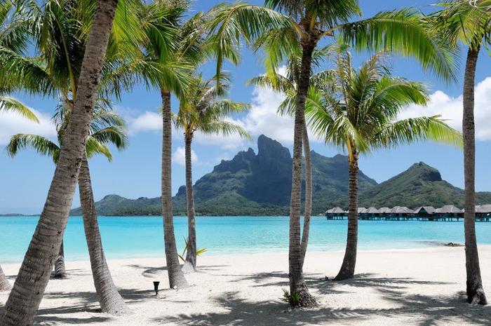 Остров Бора-Бора - жемчужина Тихого океана с перламутровой лагуной 16484